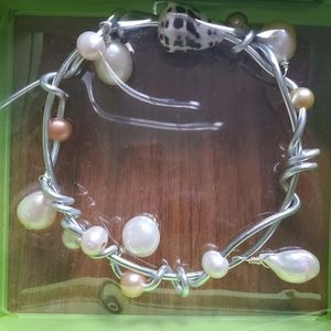 Bracelet with pearl and seashell